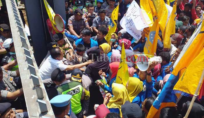 Aksi Tolak UU KPK di Tuban