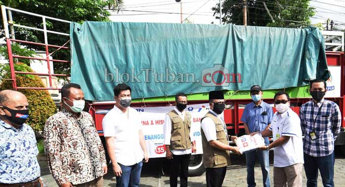 Penyerahan Bantuan dari Pertamina MOR V dan Hiswana Migas