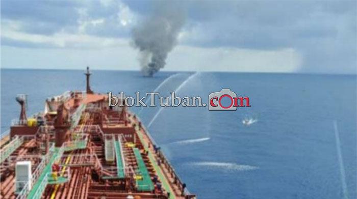 Kapal Terbakar di Laut Jawa, 16 Nelayan Selamat Dibawa ke Tuban