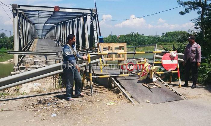 Walah..!!! Gegara Ini Akses Jembatan Darurat Glendeng Ditutup