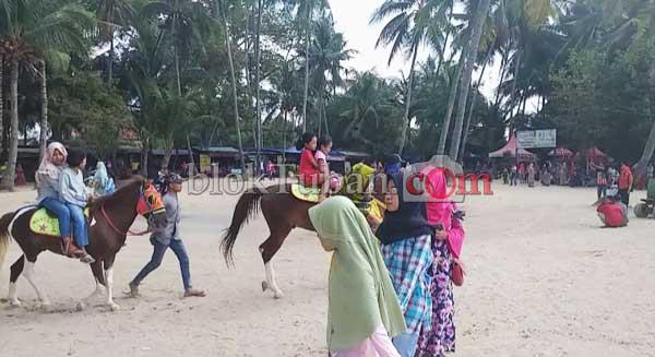 pantai-kelapa-2